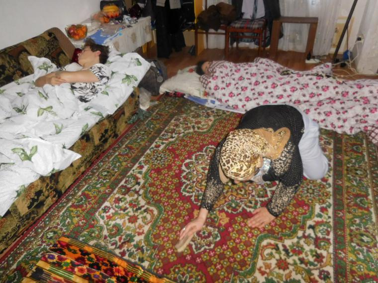 таким нательным фото спящий таджичка сочными