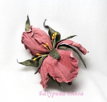 ирис, цветы, цветы из кожи, мастер-класс, обучение цветоделию, мастер класс, брошь-цветок, кожаная флористика