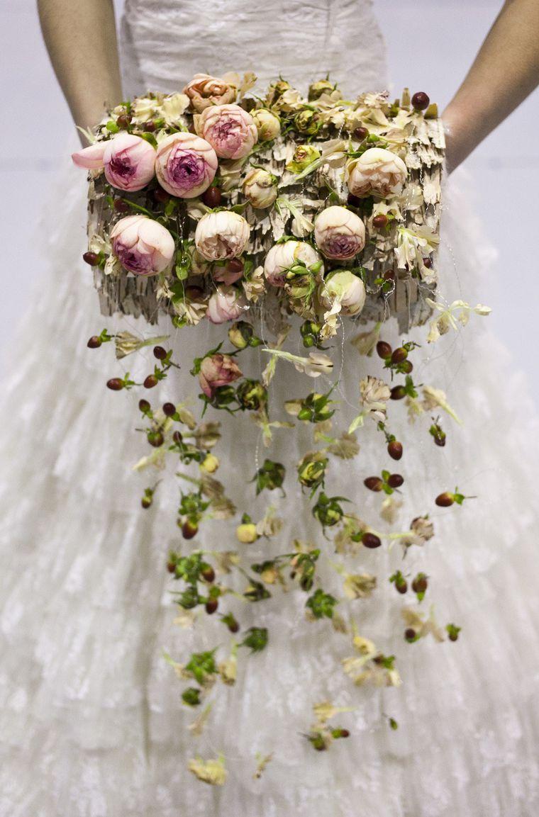 Необычный свадебный букет спб недорого