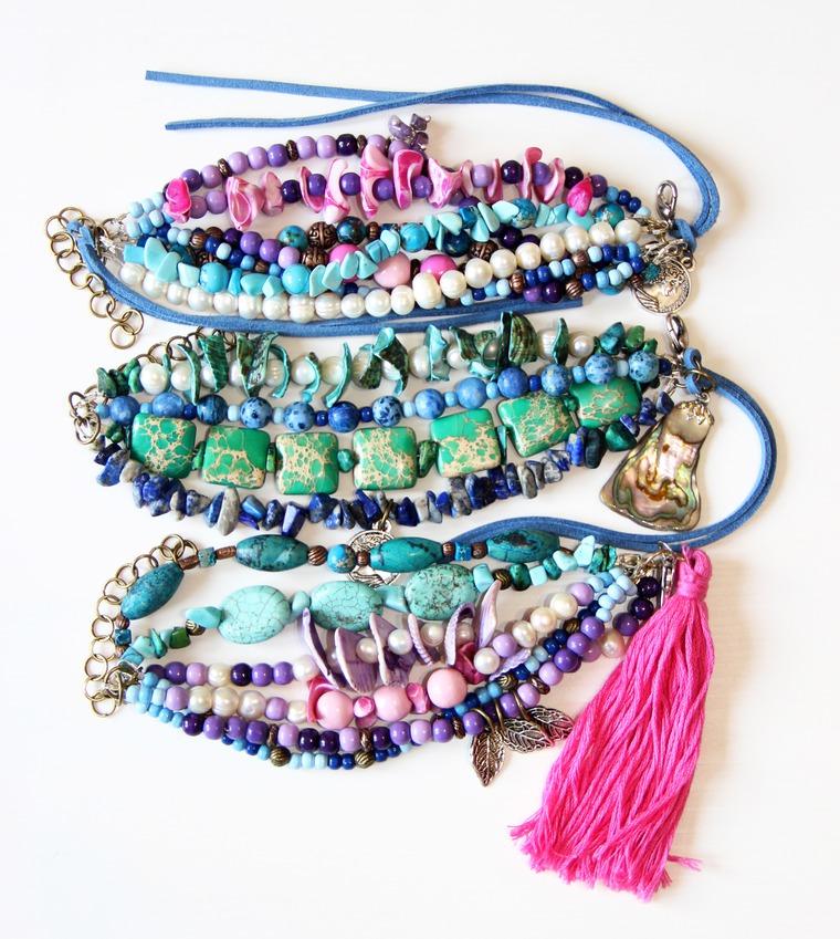 бохо стиль, хиппи стиль, браслеты ручной работы, браслеты с подвесками, яркий