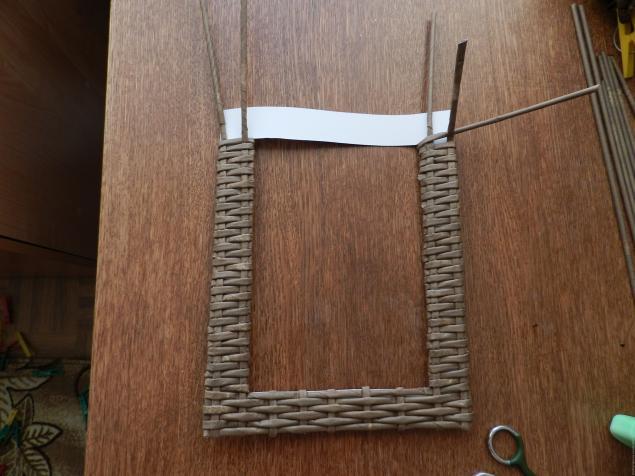 Рамка для из газетных трубочек мастер класс с пошаговым