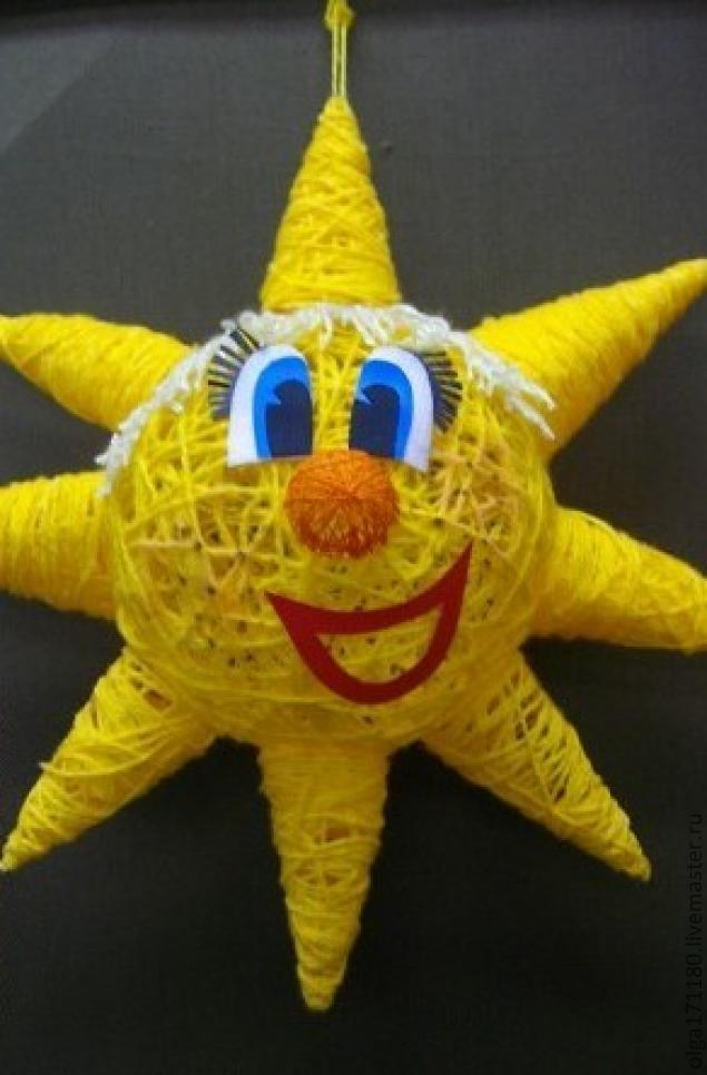 Солнце из ниток и шарика