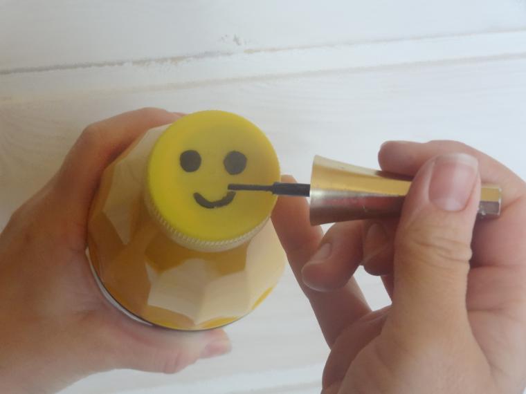 Как сделать пчелку из пластиковых бутылок пошагово