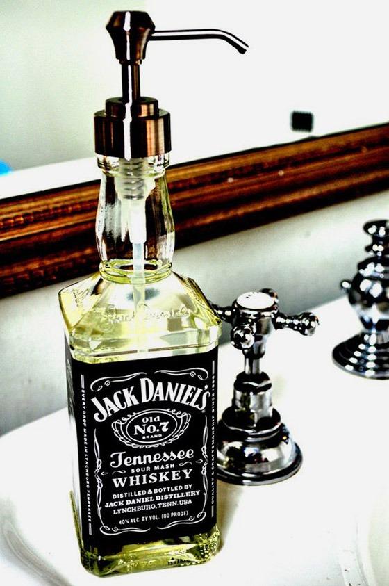 Интересные идеи из стеклянных бутылок