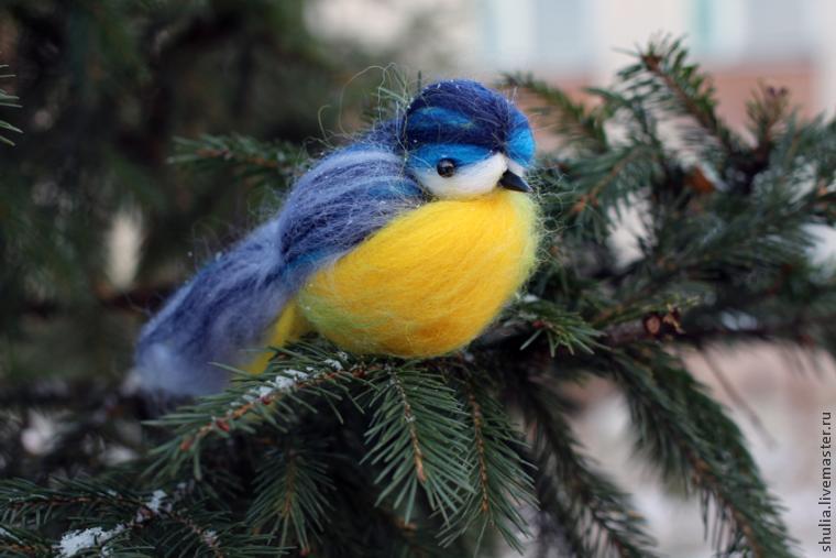 Птица из ниток шерстяных