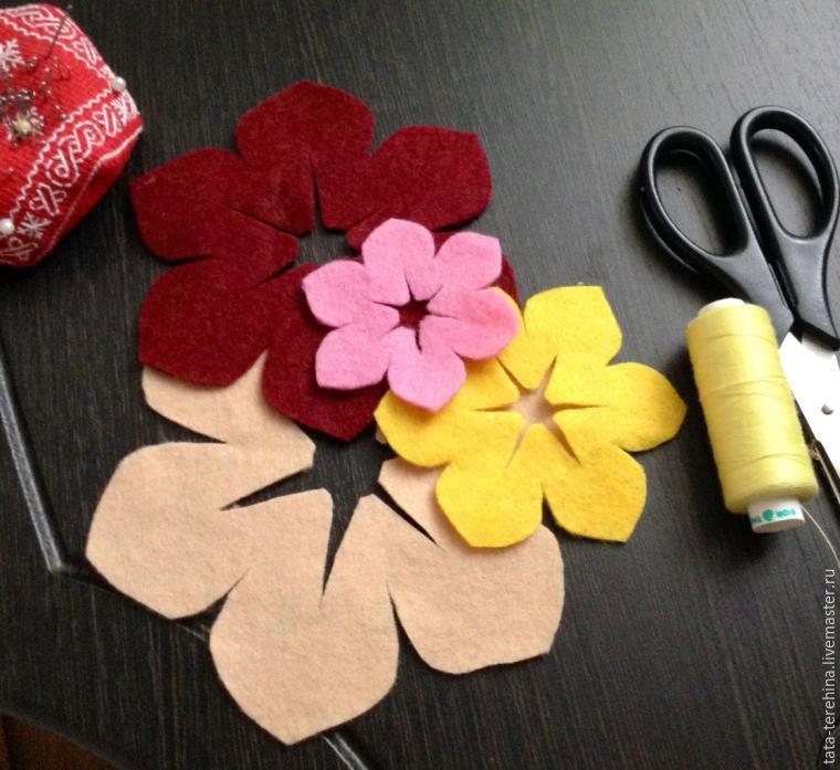 Как сделать из цветы из фетра своими руками 635