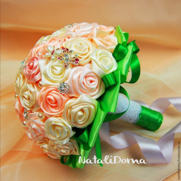 Как сделать цветы из лент букет