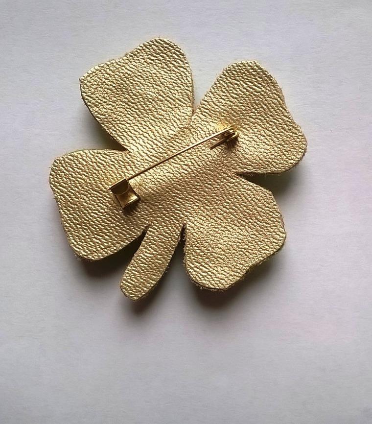 DIY on Creating a Cloverleaf Brooch for Luck, фото № 16