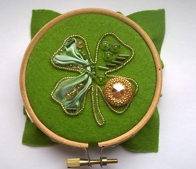 DIY on Creating a Cloverleaf Brooch for Luck, фото № 10