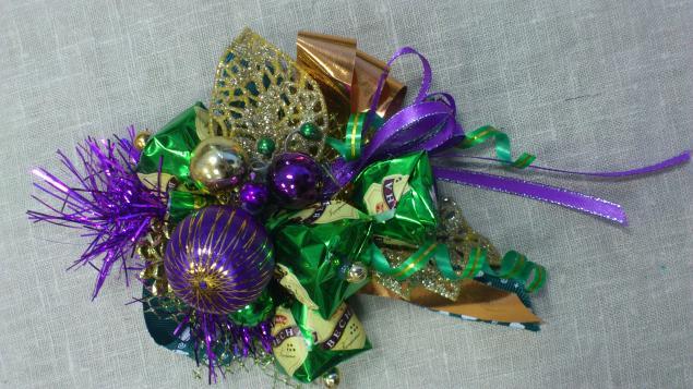 Композиции из конфет новогодние своими руками