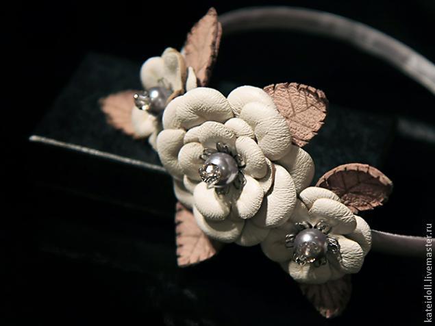 Цветы из кожи кВодопровод в своем доНовогод.подарПошив