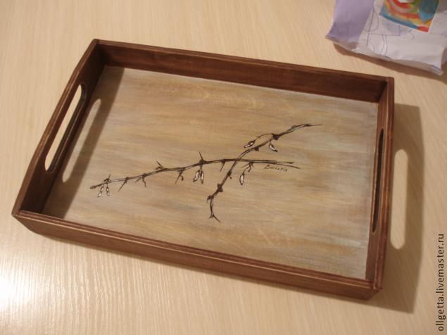 деревянный поднос