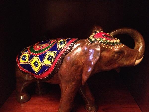 индийский слон, жемчужины из гороха