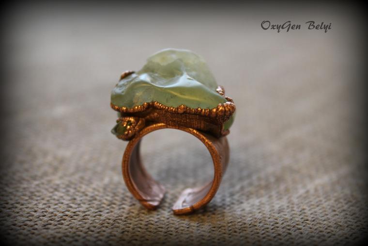 кольцо с пренитом, мох