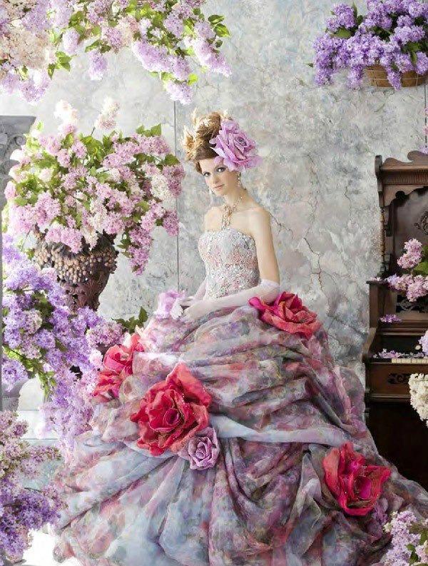 Необыкновенные свадебные платья.Цветы в моде от дизайнеров., фото № 6