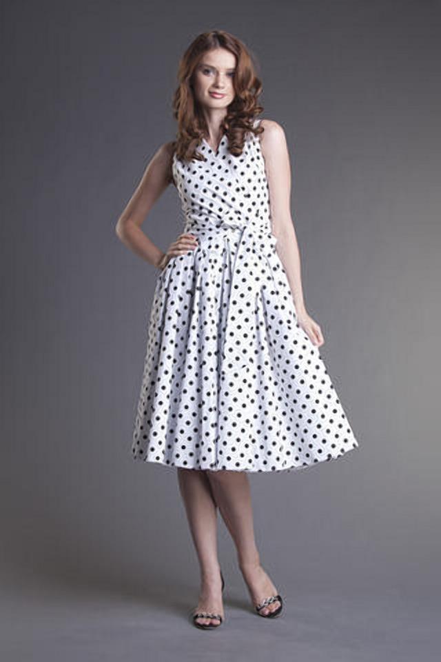 Юля любит платья в горошек