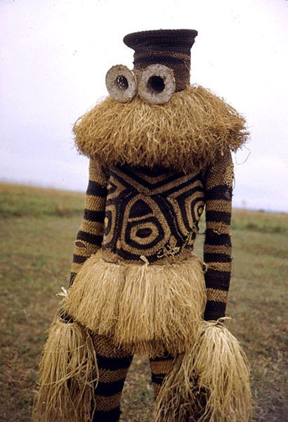 Africa | Minganji masquerader, near Gungu, DR Congo © Eliot Elisofon, 1951 |