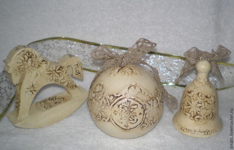 новый год, шары новогодние, овечка, имитация чеканки, лошадка