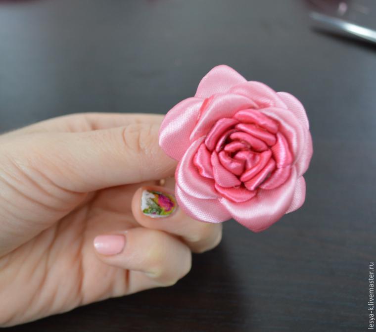 Как сделать цветы из ленты 2.5 см