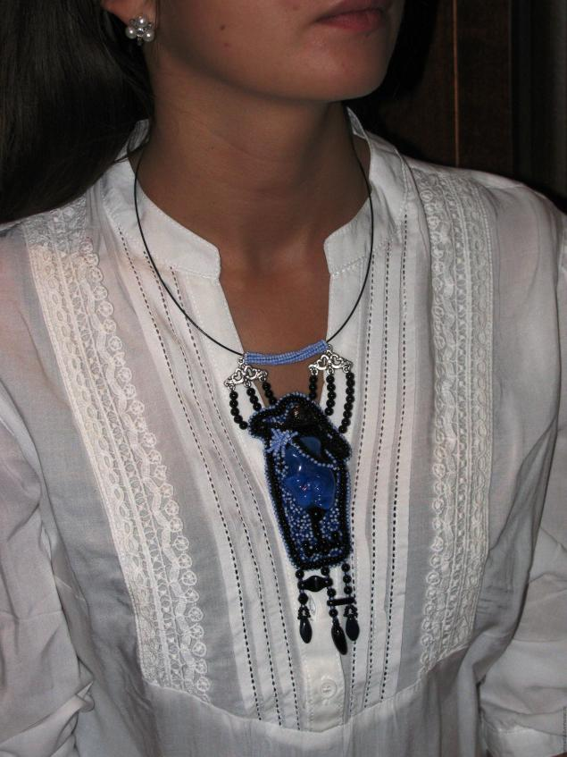 Мастер-классы: Не традиционный подход к созданию украшений из бисера на примере кулона «Модный приговор