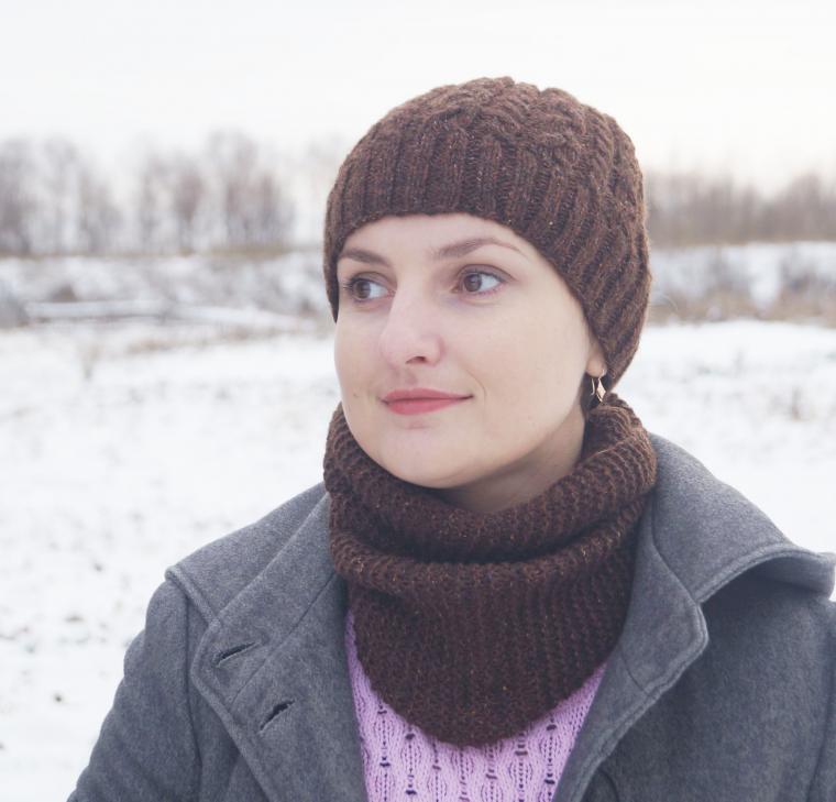 шарф-снуд, шапка с помпоном, комплект вязаный, купить шапку, девушке, модный аксессуар
