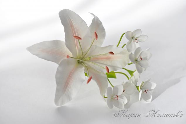 цветы из полимерной глины, зажим с цветами, подарок для девочки