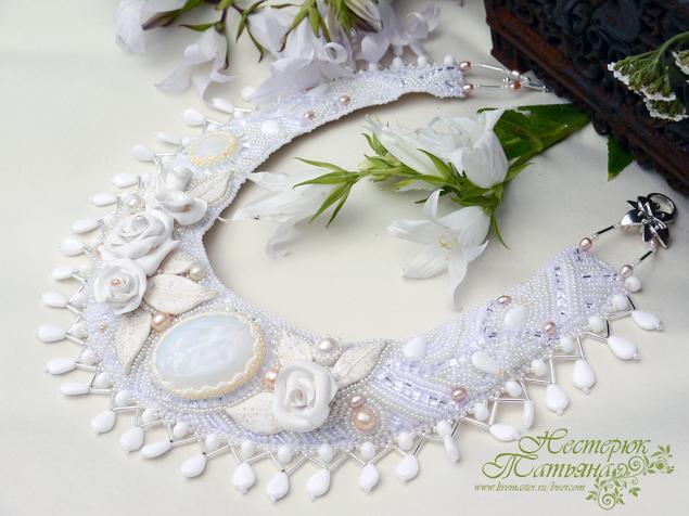 свадебное колье, цветы из полимерной глины