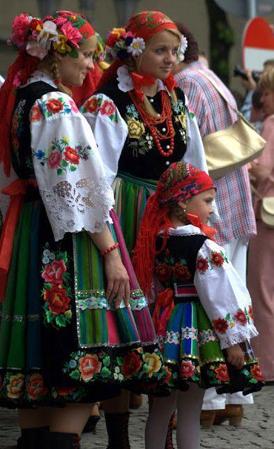 Traditional folk clothing (owicz, Poland)