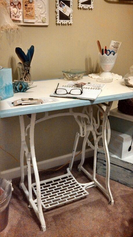 это время стол из швейной машинки своими руками фото раскраска