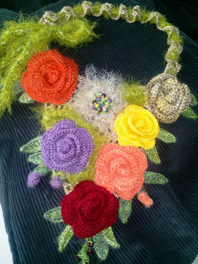 колье ручной работы, колье бохо, авторское колье, вязанные розы