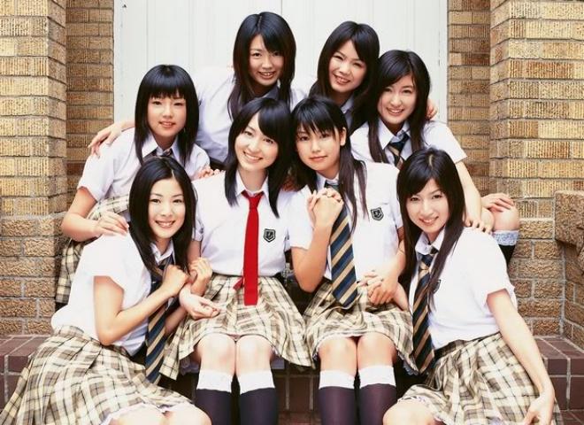 фото голых японок в школьной форме