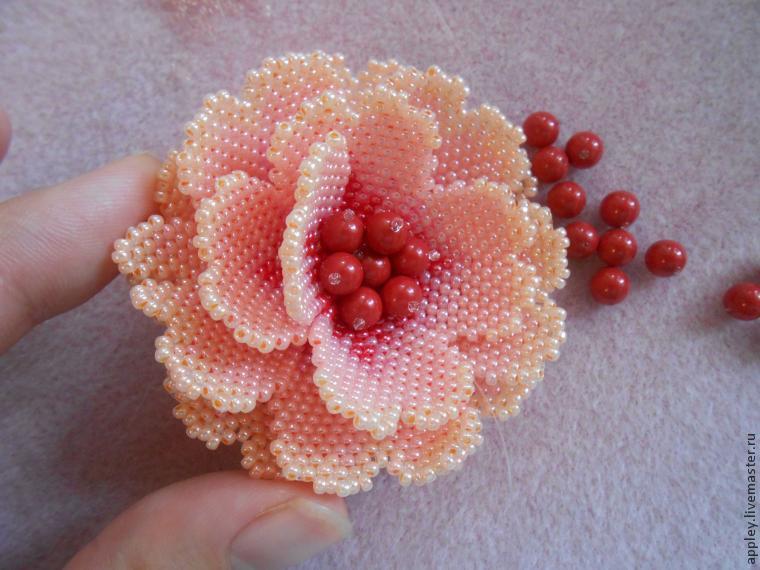 Как сделать серединку цветка из бисера видео 125