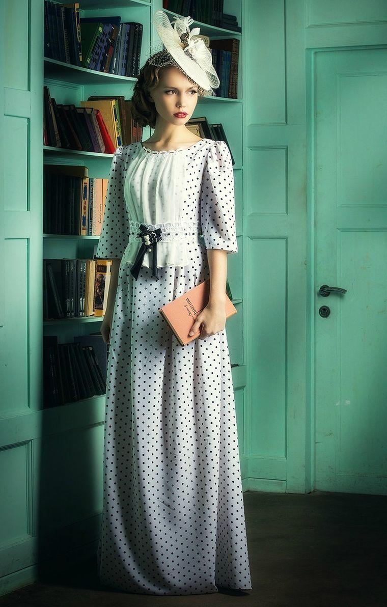 Показ платье в горошек