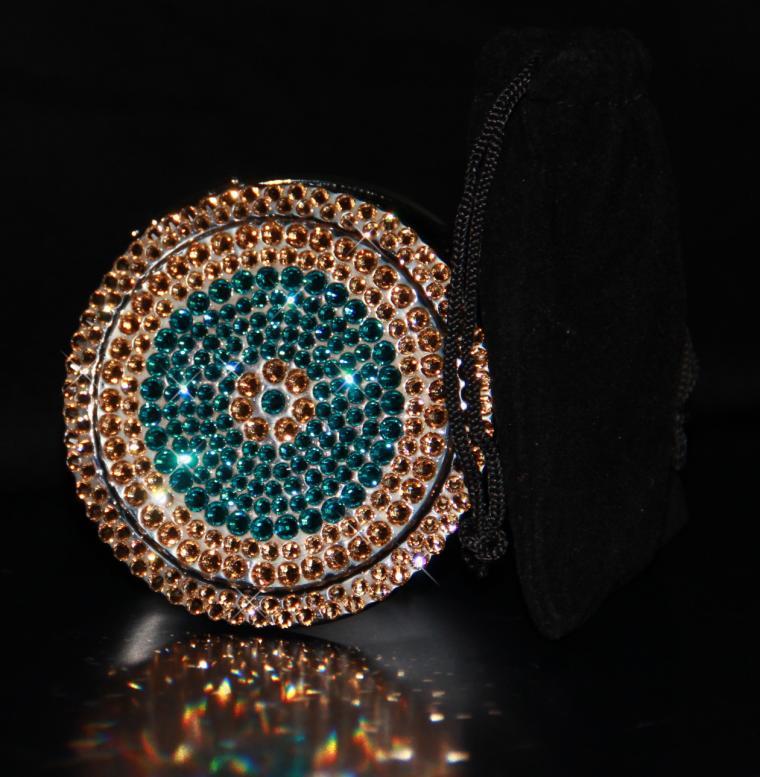 подарок девушке, необычный подарок, подарок своими руками, подарок женщине, купить со скидкой, аукцион, аукцион сегодня, аукцион на украшения, аксессуары, косметичка, блеск, сваровски, свадебный подарок, единственный экземпляр, аукционы, зеленый, зеркало, необычное украшение, сезонные скидки, золотые украшения