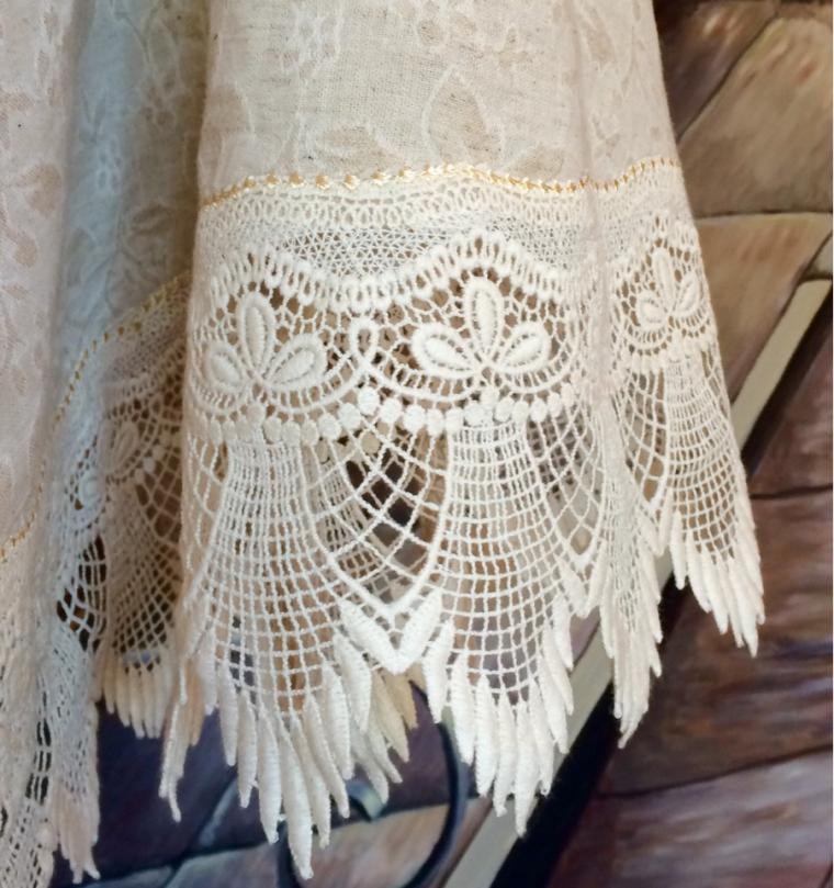 скатерть, единственный экземпляр, эксклюзивный подарок, сухова наталия, фамильный текстиль, монограмма, вышитая скатерть
