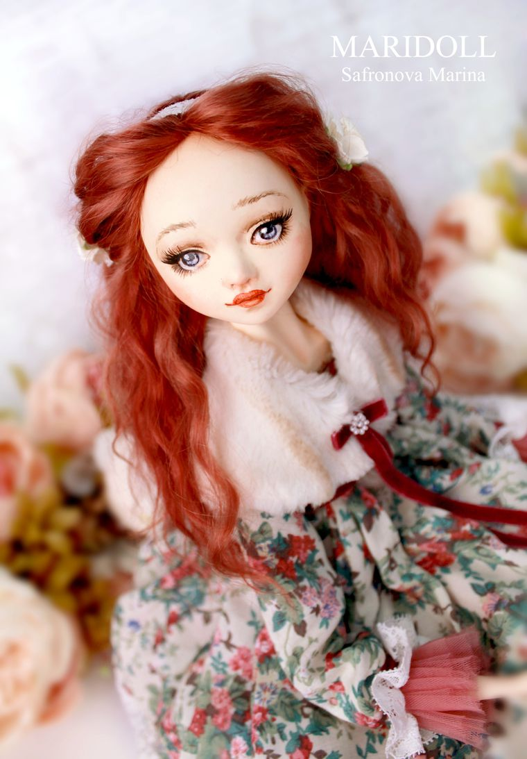 рыжая кукла