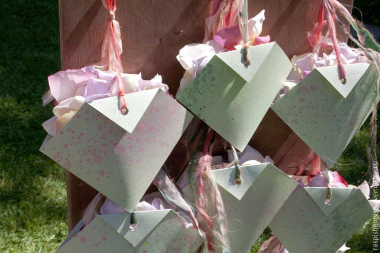 Делаем свадебные кулечки для лепестков, фото № 48