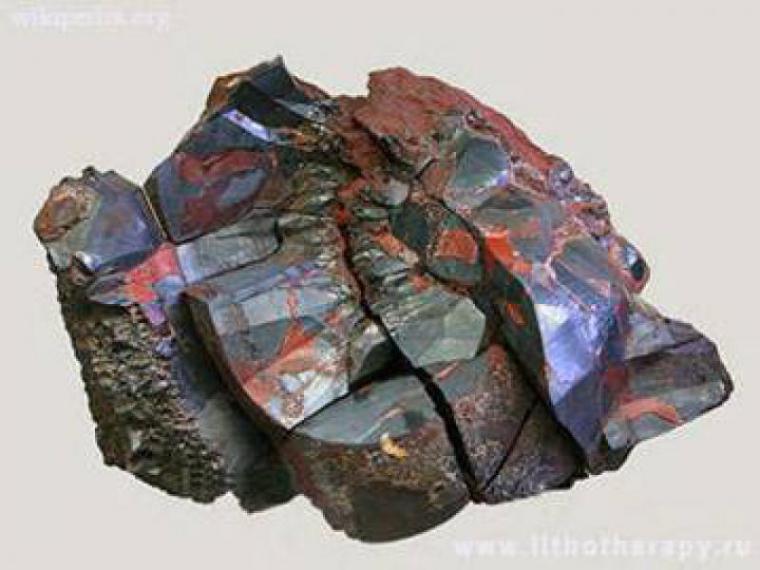 Кровавик камень магические свойства фото