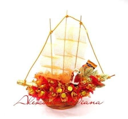 корабль из конфет, букет из конфет, праздник, подарок, флористика