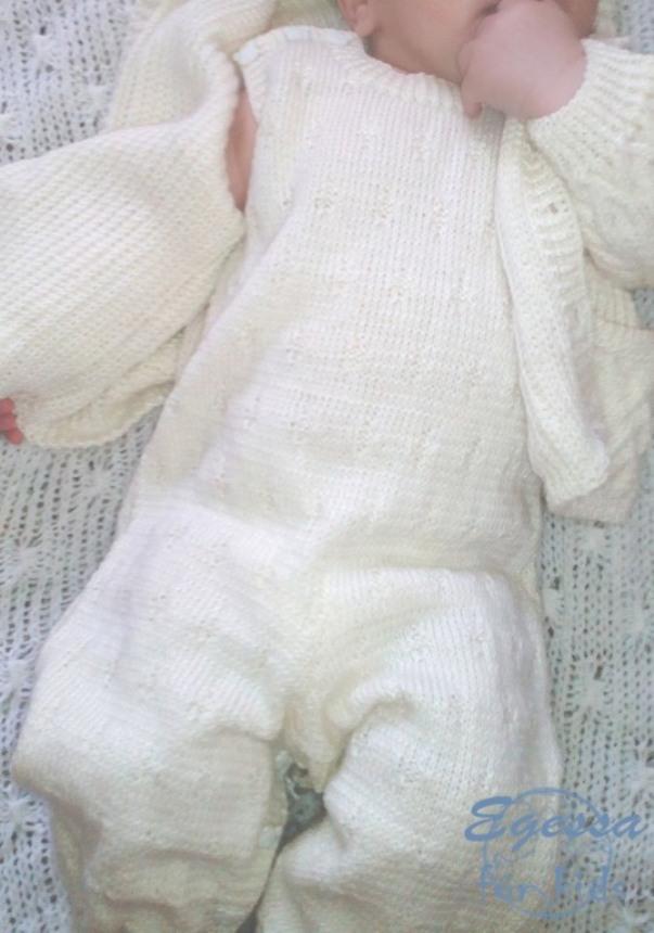 вязаный комплект, жакет спицами, кофточка с капюшоном, вязаный полукомбинезон, вязаные штанишки, для новорожденных