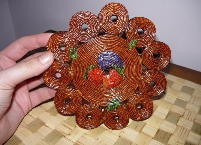Сувениры из бумажных трубочек