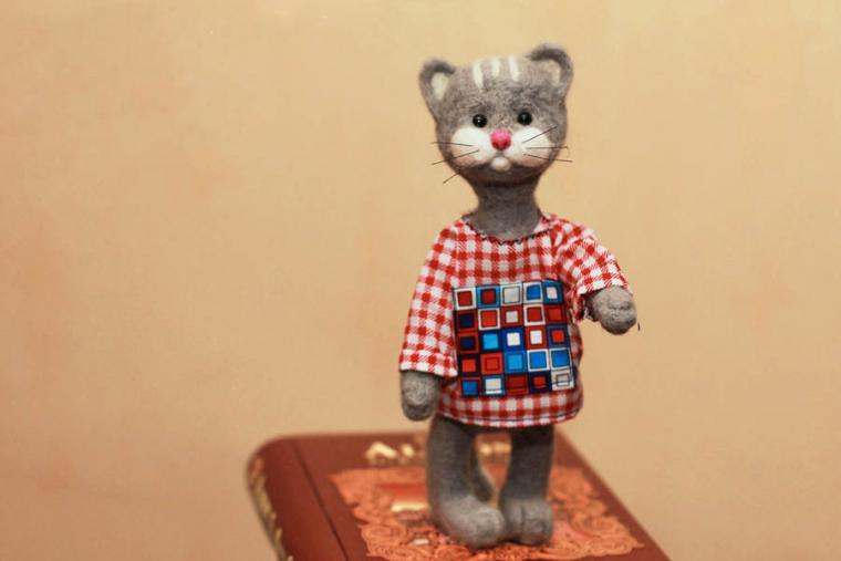 кот, валяная игрушка