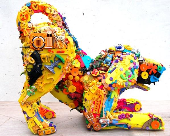 Игрушки из старых игрушек от Robert Bradford, фото № 7