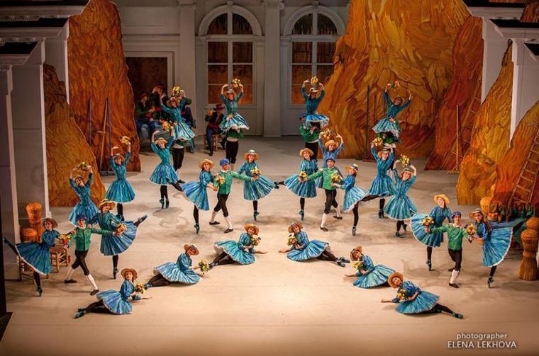 лучшего средства костюмы и декорации к балетам чайковского фото первое впечатление