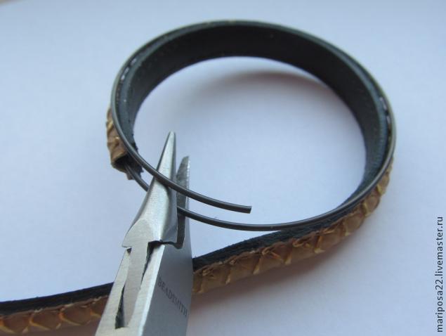 кожаный браслет, кристаллы сваровски