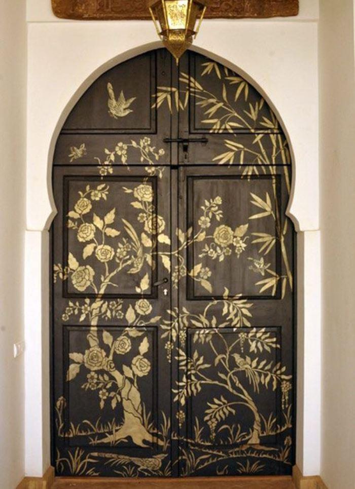 Украсить входную дверь своими руками фото
