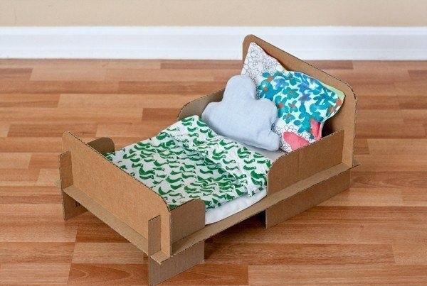 Кровать из спичечных коробков