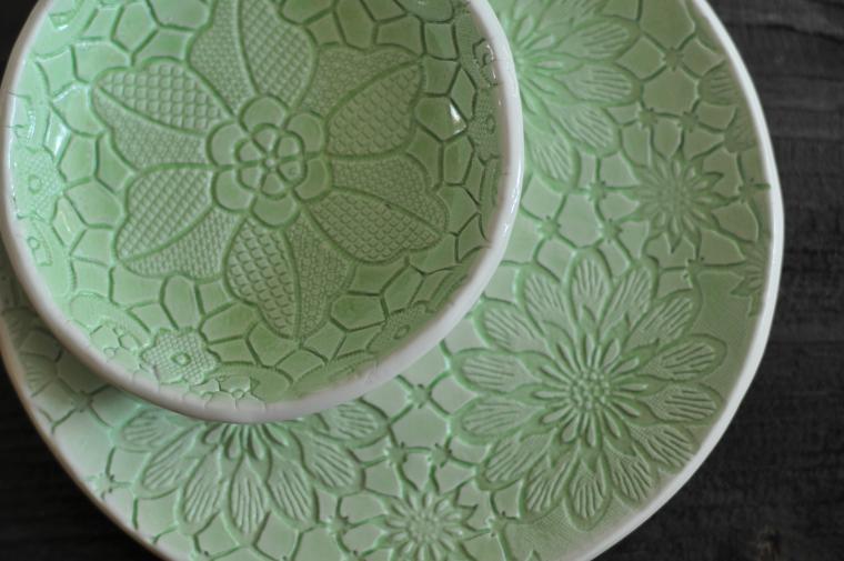 посуда, разноцветные тарелки