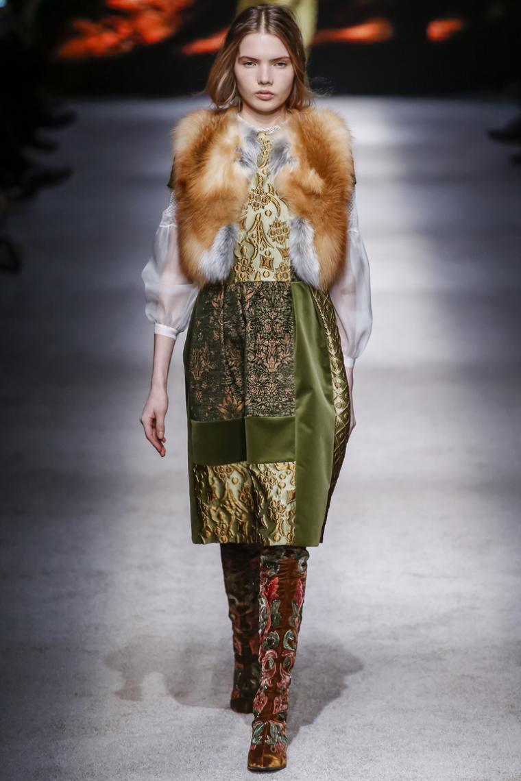 Коллекция осень-зима года от Шанель мода, показ 93