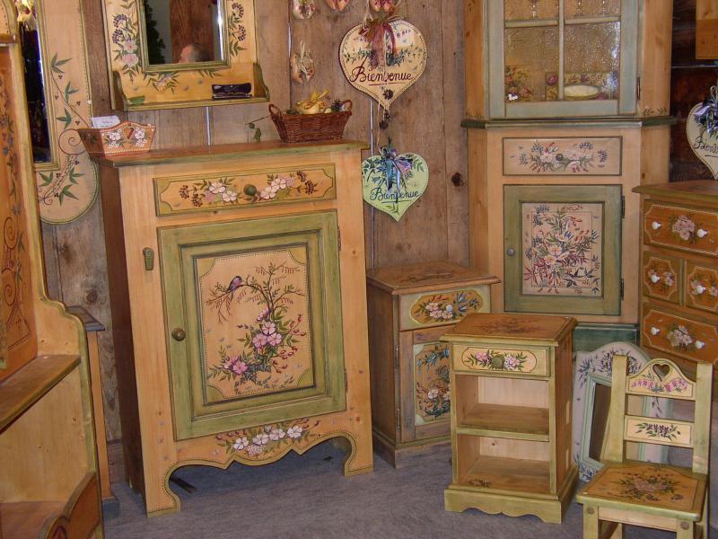 Ручная роспись деревянной мебели